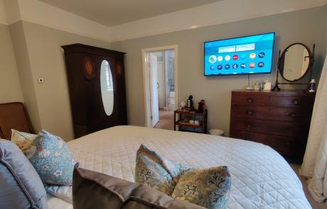 Jennifrieds bedroom